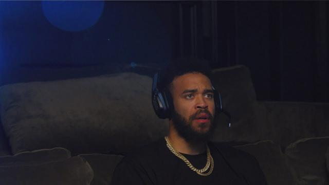 """Official Call of Duty®: Black Ops 4 – """"Dropping In"""" with JaVale McGee"""